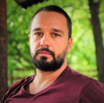 Dr. Vlad Stroescu