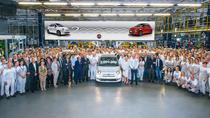 Masina Fiat 500 cu numarul doua milioane produsa la Tychy in 2018