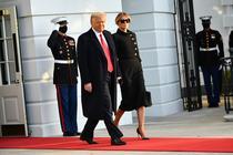 Trump parasind Casa Alba