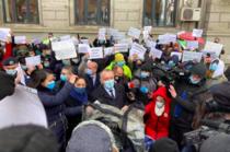 Cimpeanu si Baluta intre protestarii de la Sincai