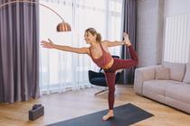 Instructorul de yoga Emilia Oprea