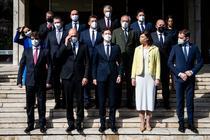 Guvernul Slovaciei cu noul premier Eduard Heger in centru fata