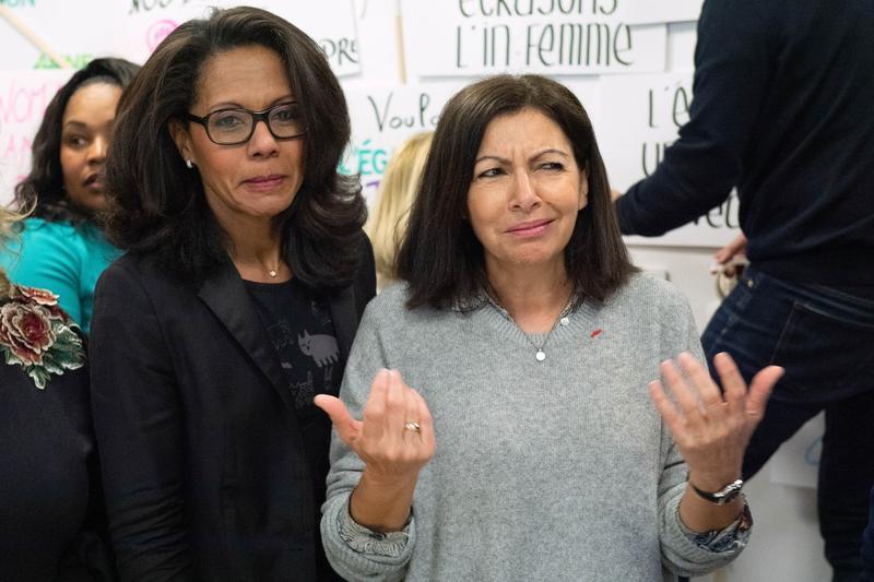 Intalniri ale femeilor franceze