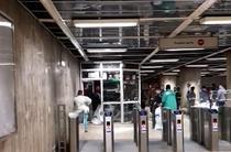 Demolare chioscuri metrou
