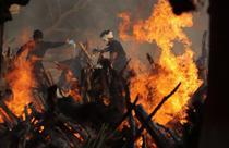 Incinerari Covid India 9