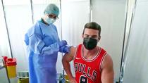 Dorian Popa se vaccineaza
