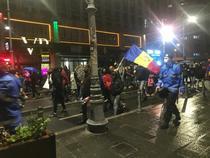 Protestatarii, in mars pe Calea Victoriei