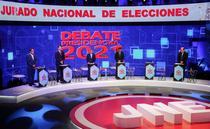 Dezbatere electorala in Peru