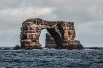 Arcul lui Darwin inainte de a se prabusi in mare
