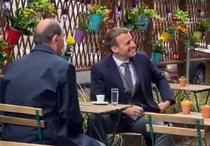 Macron si Castex la cafenea