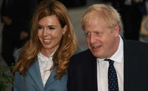 Boris Johnson si Carrie Symonds (sursa: twitter)