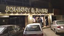 Nu este prima data cand angajati ai Johnny & Jugnu sunt arestati de politie din motive similare