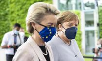 Ursula von der Leyen si Angela Merkel