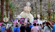 Statuia lui Marilyn Monroe din Palm Springs