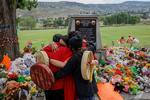 Memorial pentru copiii indigeni gasiti ingropati in morminte nemarcate din Canada