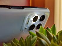 Motorola Moto G100 cu camera sa macro cu inel led