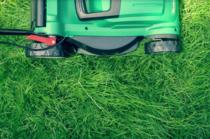 Cum alegi mașina de tuns iarba potrivită pentru nevoile tale