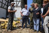 Angela Merkel, in zonele afectate de inundatii