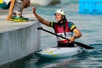 Jessica Fox a castigat pentru prima data o medalie olimpica dupa ce si-a reparat caiacul cu un prezervativ