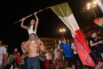 Fani ai Italiei pe strazile Romei
