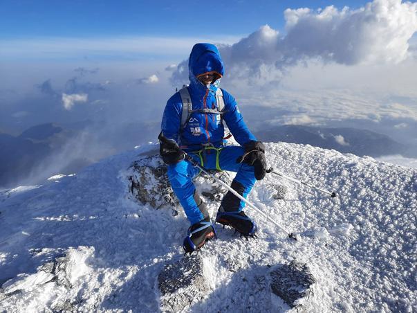 Doi sportivi care văd împreună 1% au ajuns pe Vârful Elbrus