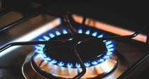 Scumpirile la gaz si energie complica mult finantele romanilor