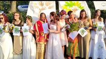 Femei din Bristol s-au casatorit cu zeci de copaci (Sursa foto: twitter)