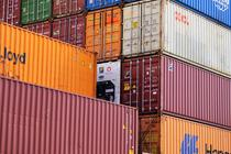 Containere descarcate in port