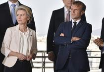 Ursula von der Leyen si Emmanuel Macron