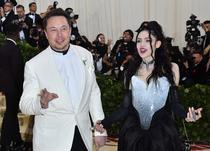 Elon Musk si Grimes, in 2018