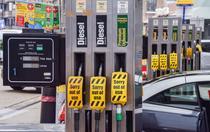 Benzinariile din UK au ramas fara combustibili
