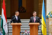 Peter Szijjarto si ministrul ucrainean de externe, Dmytro Kuleba