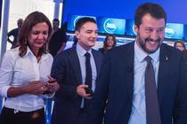 Luca Morisi (centru) in campanie alaturi de Matteo Salvini