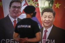Baner in Serbia cu Aleksandar Vucic si Xi Jinping