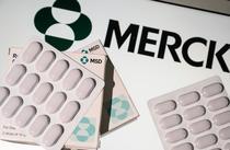 Merck a cerut aprobarea Molnupiravir