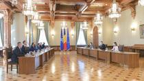 Iohannis, consultari cu delegatia PNL