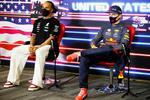 Lewis Hamilton si Max Verstappen